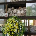 Duch a reconnu qu'il avait envoyé 160 enfants de Prey Sâr directement à Choeung Ek où a été construit ce monument, rempli de crânes, en hommage aux victimes. (Anne-Laure Porée)