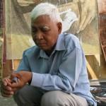 Vann Nath photographié au cours d'un atelier avec Sera et une dizaine de jeunes artistes cambodgiens au centre Bophana au début de l'année 2009. (Anne-Laure Porée)