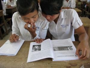 """Que restera-t-il dans l'histoire si le tribunal n'a le temps de juger les anciens dirigeants khmers rouges que dans un premier dossier axé autour des """"déplacements forcés"""" ? (Anne-Laure Porée)"""