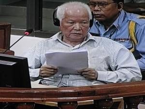 Khieu Samphan a succédé à Norodom Sihanouk à la présidence du Praesidium du Kampuchea démocratique en 1976. L'équivalent du statut de chef de l'Etat sans être doté des mêmes pouvoirs. (Anne-Laure Porée)
