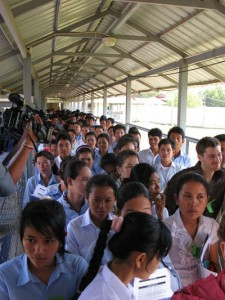 Chaque jour, la salle du public est pleine. Beaucoup d'étudiants comptent parmi les visiteurs. (Anne-Laure Porée)